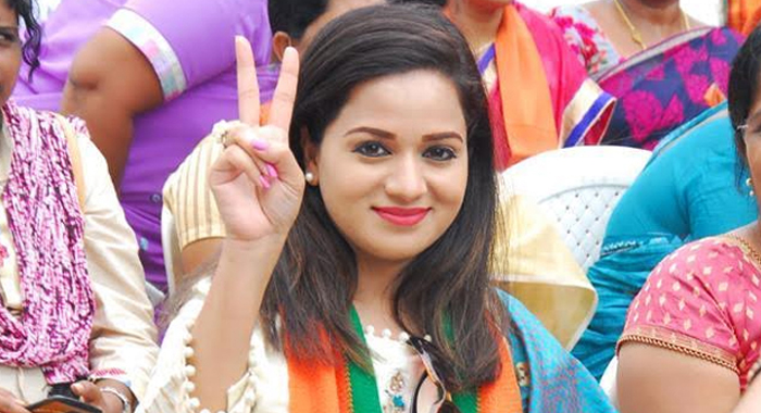 Tollywood Actress Reshma Rathore to Contest 2019 Elections From BJP