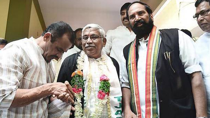 TJS leader Kodandaram angry with opposition mahakutami over delay in seat sharing issue for upcoming election in Telangana warns unwanted situations.