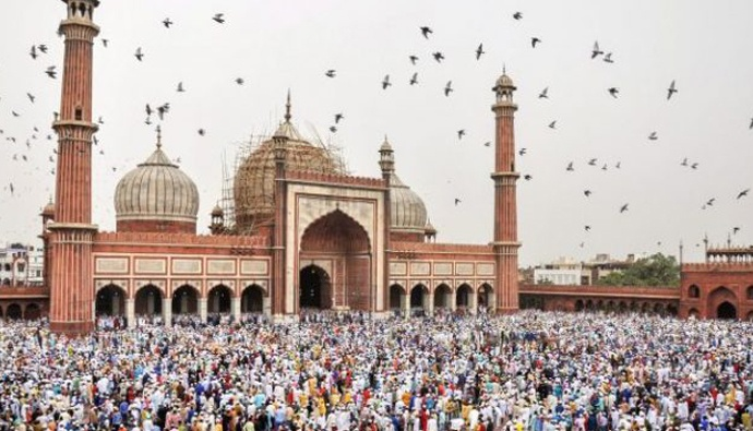 Famous mosques masjids in india