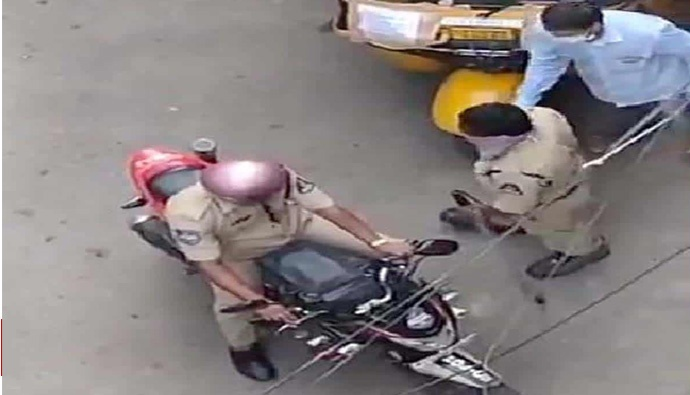 Two Constables Suspended for Taking Bribe