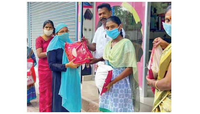 Salon owner in Madurai feeds 615 families with Rs 5 lakh he saved for daughter