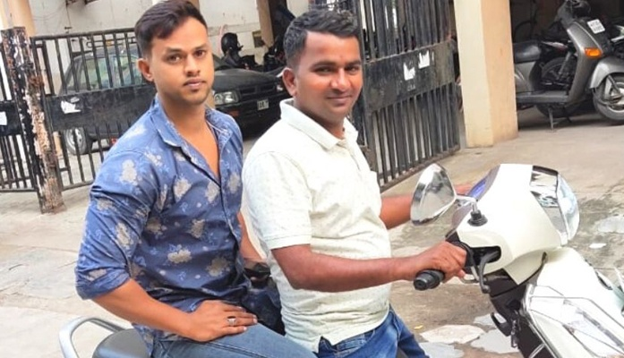 Hyderabad youth carries covid patients on his scooter