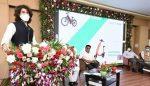 Arjun reddy star vijay devarakonda enters another business